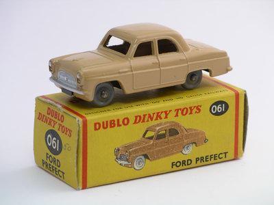 Dinky Toys no.061.JPG
