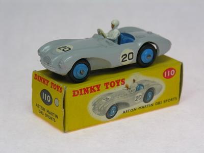 Dinky Toys no.110_DSCN0448a.jpg