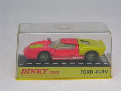 Dinky Toys no.132_DSCN0766a.jpg