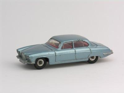 Dinky Toys no.142.JPG