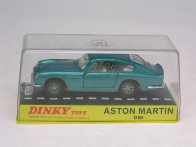 Dinky Toys no.153_DSCN0624a.jpg