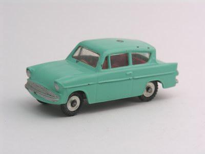 Dinky Toys no.155_3.JPG