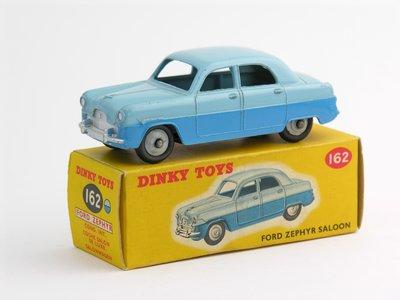 Dinky Toys no.162_3.JPG