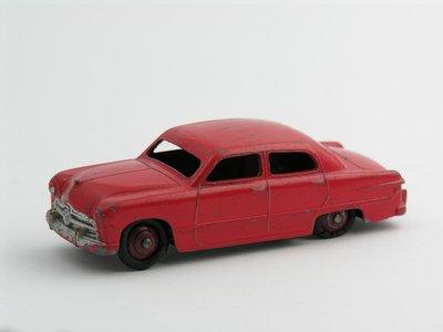 Dinky Toys no.170_2.JPG