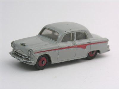 Dinky Toys no.176_4.JPG