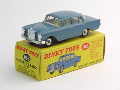 Dinky Toys no.186.JPG