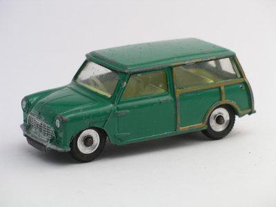 Dinky Toys no.197.JPG