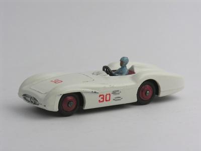 Dinky Toys no.237_4.JPG