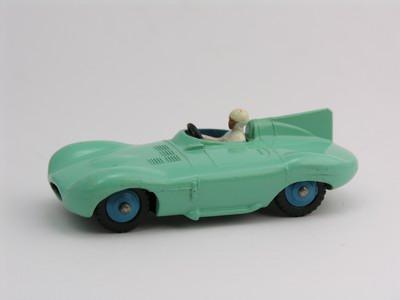 Dinky Toys no.238_4.JPG