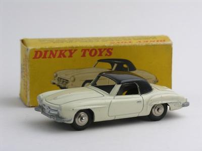 Dinky Toys no.24H_1.JPG