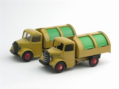 Dinky Toys no.252_1.JPG