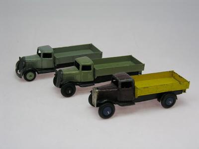 Dinky Toys no.25E_DSCN0371_1.jpg