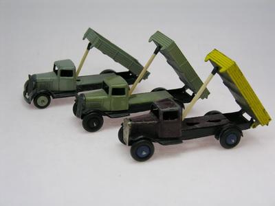 Dinky Toys no.25E_DSCN0372_1.jpg