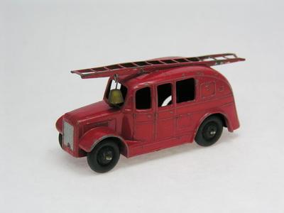 Dinky Toys no.25H_DSCN0245_1.jpg