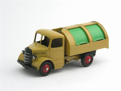 Dinky Toys no.25V.JPG