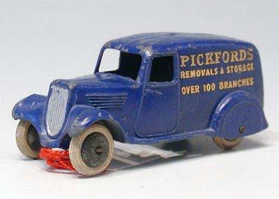 Dinky Toys no.28B_3.JPG