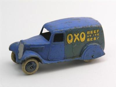 Dinky Toys no.28D_3.JPG