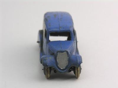 Dinky Toys no.28D_3b.JPG