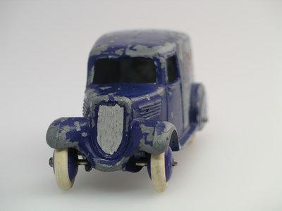Dinky Toys no.28E_2.JPG