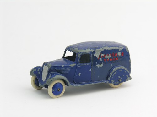 Dinky Toys no.28E_4.JPG