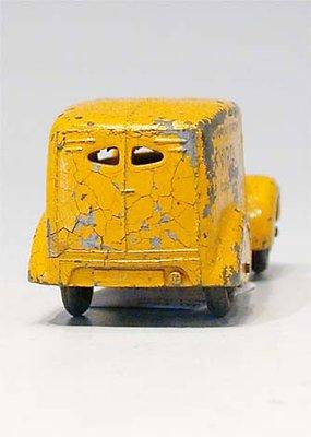 Dinky Toys no.28F_3.JPG