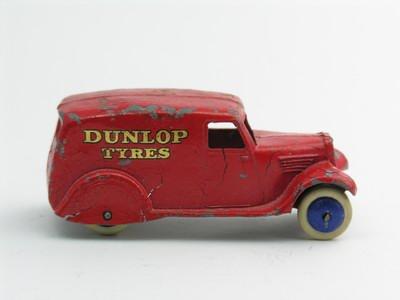 Dinky Toys no.28H_1.JPG