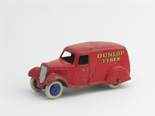 Dinky Toys no.28H_4.JPG
