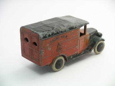 Dinky Toys no.34B_1a.JPG