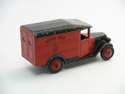 Dinky Toys no.34B_1c.JPG