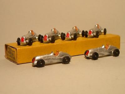 Dinky Toys no.35B.JPG