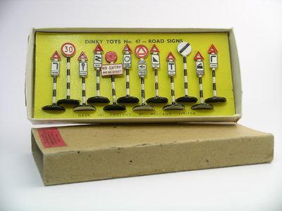 Dinky Toys no.47.JPG