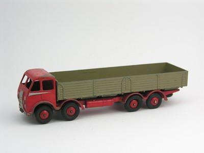 Dinky Toys no.501_2.JPG