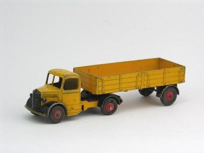 Dinky Toys no.521_1.JPG