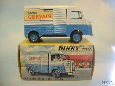 Dinky Toys no.561_1.jpg