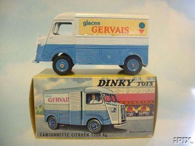 Dinky Toys no.561_2.jpg
