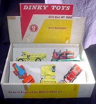 Dinky Toys no.900.JPG